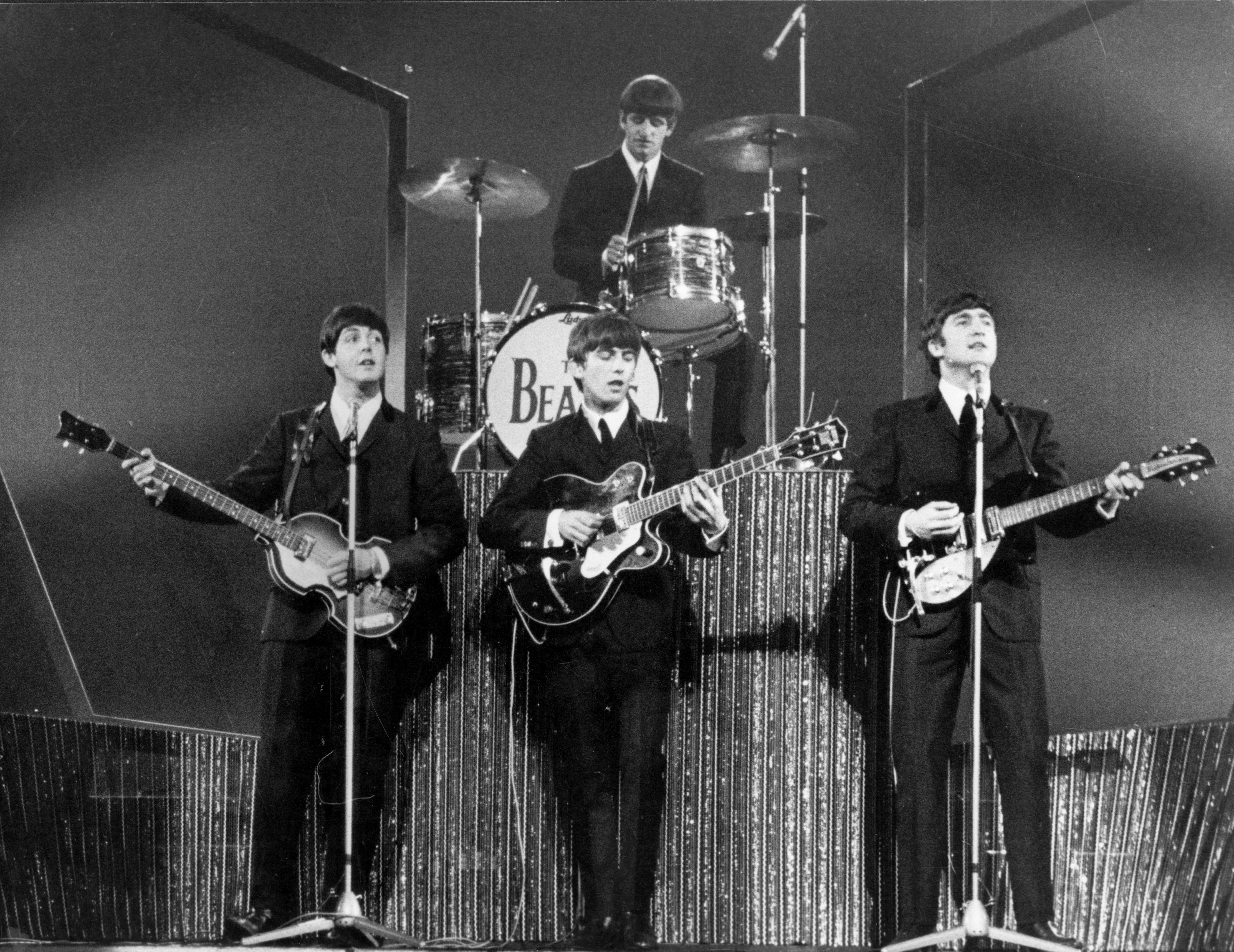 a history of the beatles a legendary pop rock band Setlist history: the beatles rooftop concert they are considered by many to be the greatest rock band of all the legendary london gig was decided on just.
