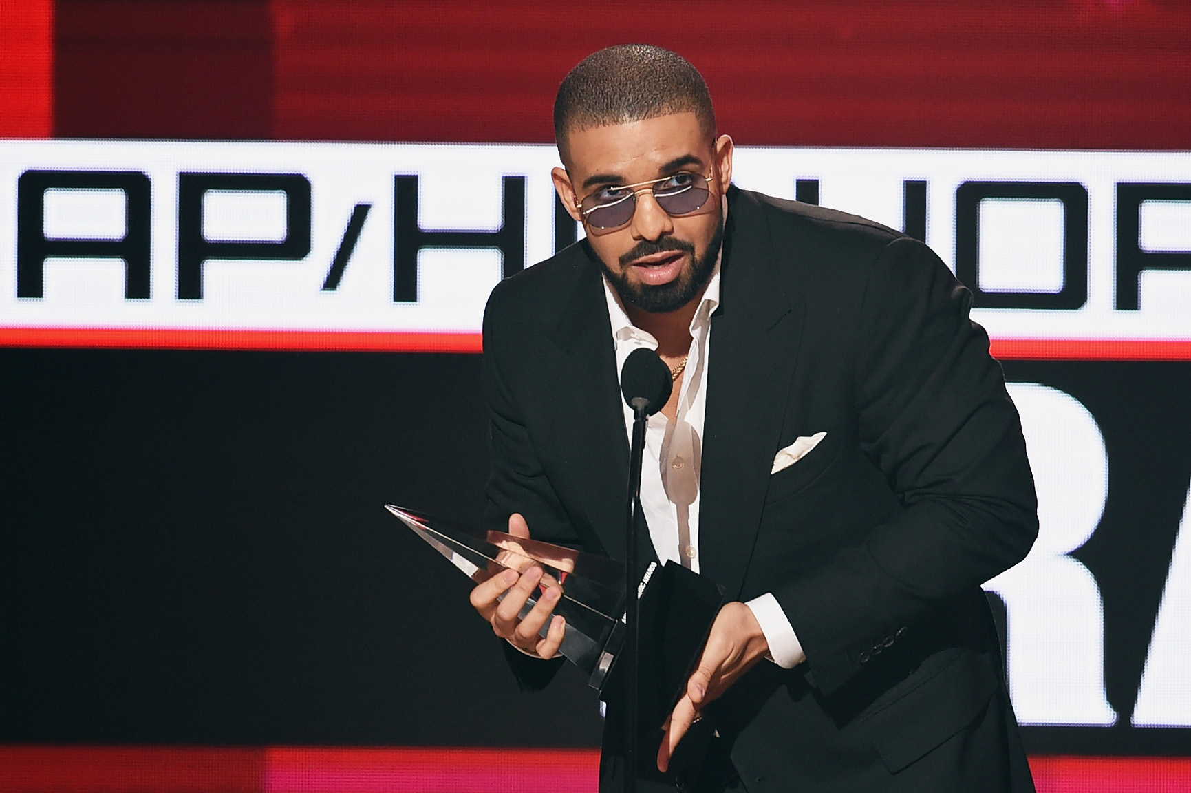 the life and career of american rap artist drake