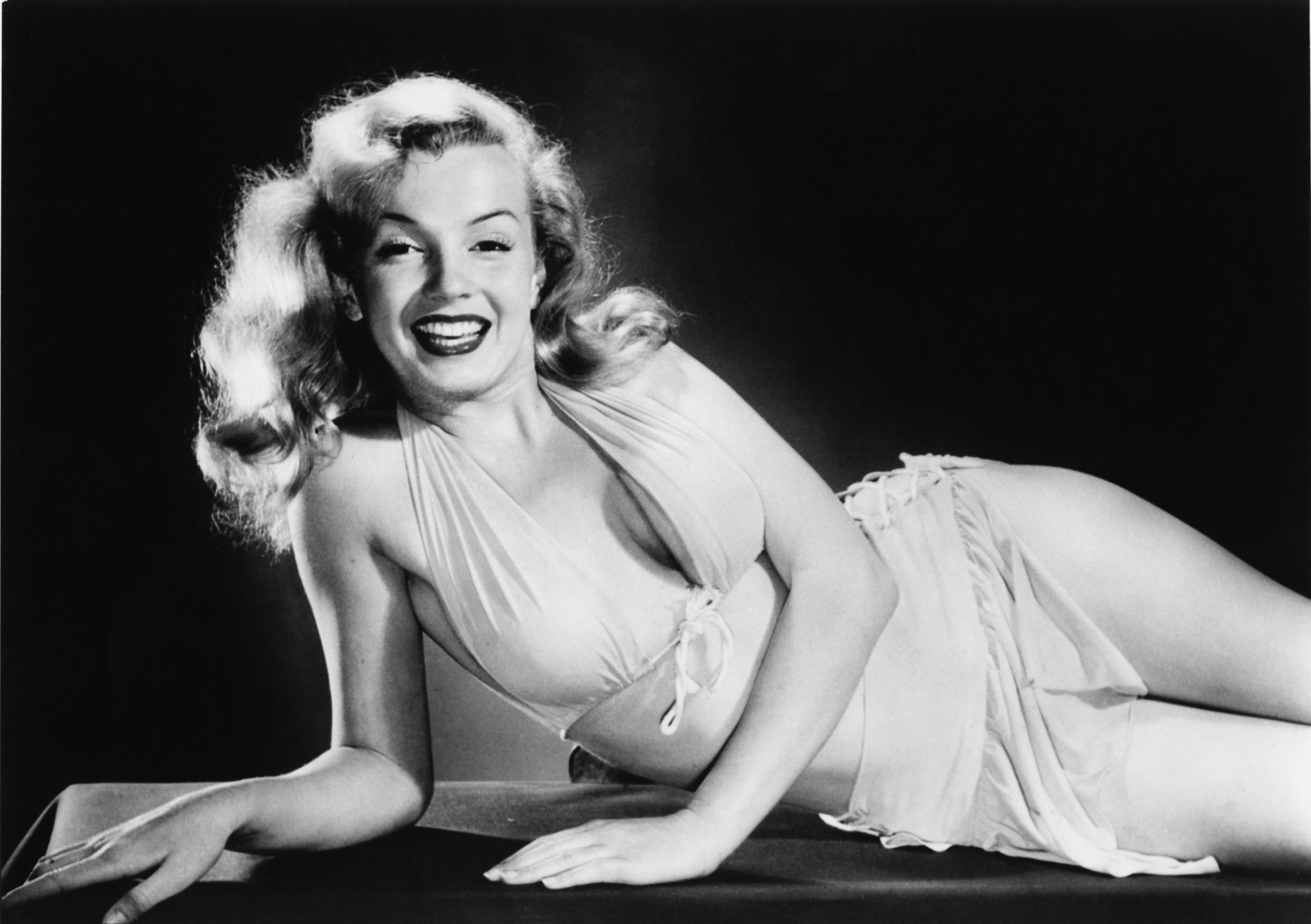 an analysis of inner thoughts in life and death of marilyn monroe by bob gonzalez