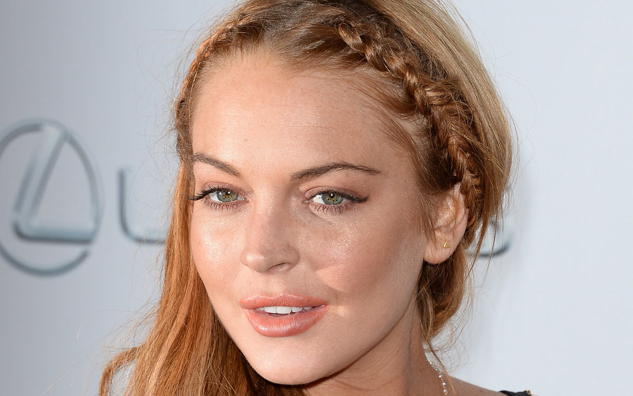 lindsay lohan Get up-to-the minute news, pictures and gossip on lindsay lohan or share your opinions on lindsay lohan photos, scandals, court cases and boyfriends.