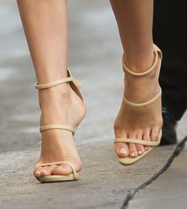 красивые стопы фото