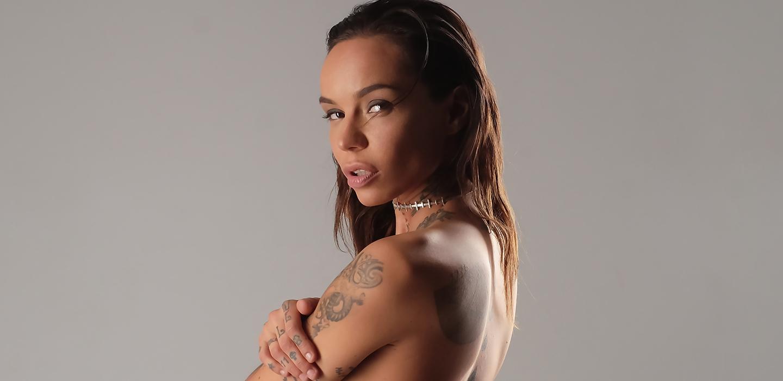 Эксклюзив PEOPLETALK: голая Леся Фак о любимых рэперах