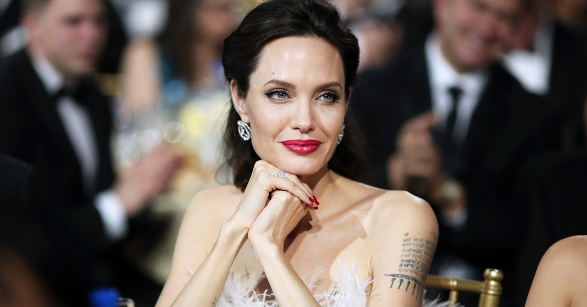 Как ухаживать за зрелой кожей? Любимый крем Анджелины Джоли
