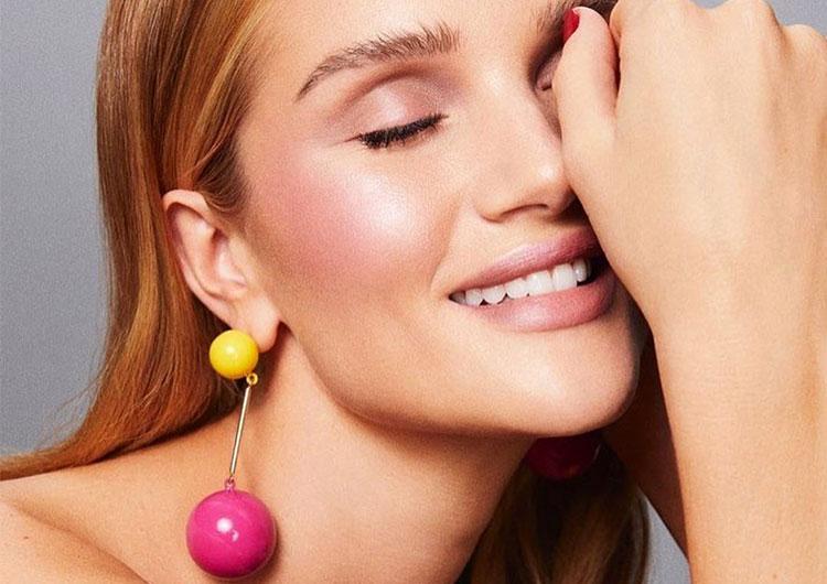 Как сделать макияж в розовых оттенках? Урок от Роузи Хантингтон-Уайтли