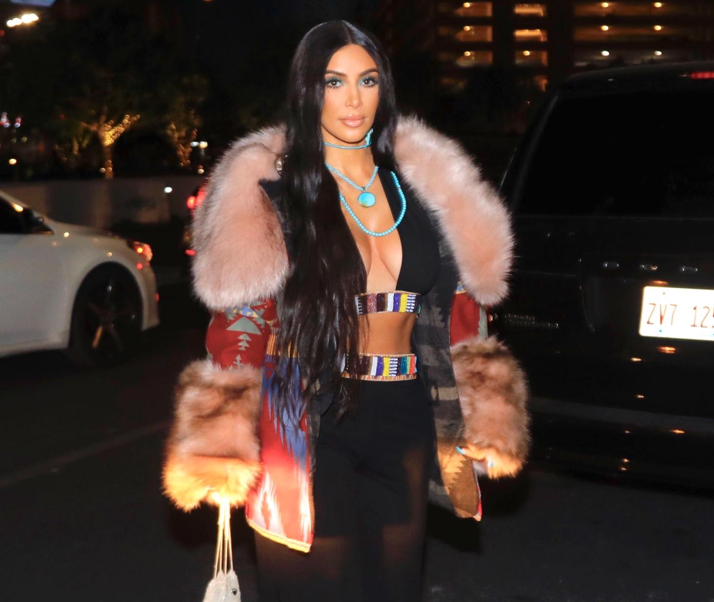 Ким Кардашьян скопировала легендарный образ эстрадной певицы Шер