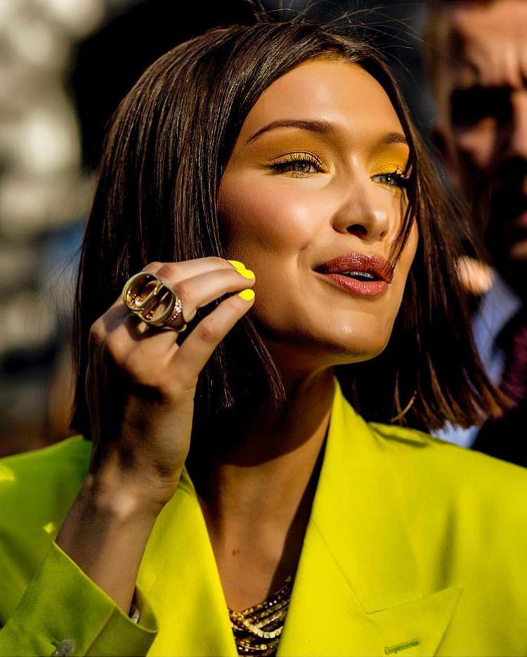 Белла Хадид показала, какой маникюр будет в моде летом