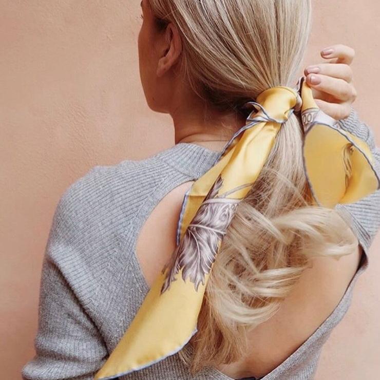 Must-have аксессуар: как носить шелковый платок этим летом?
