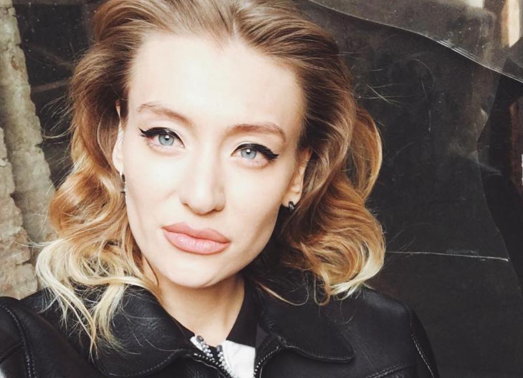 Маша Миногарова запустила в Instagram #чёлочкачеллендж! Девочки поймут!