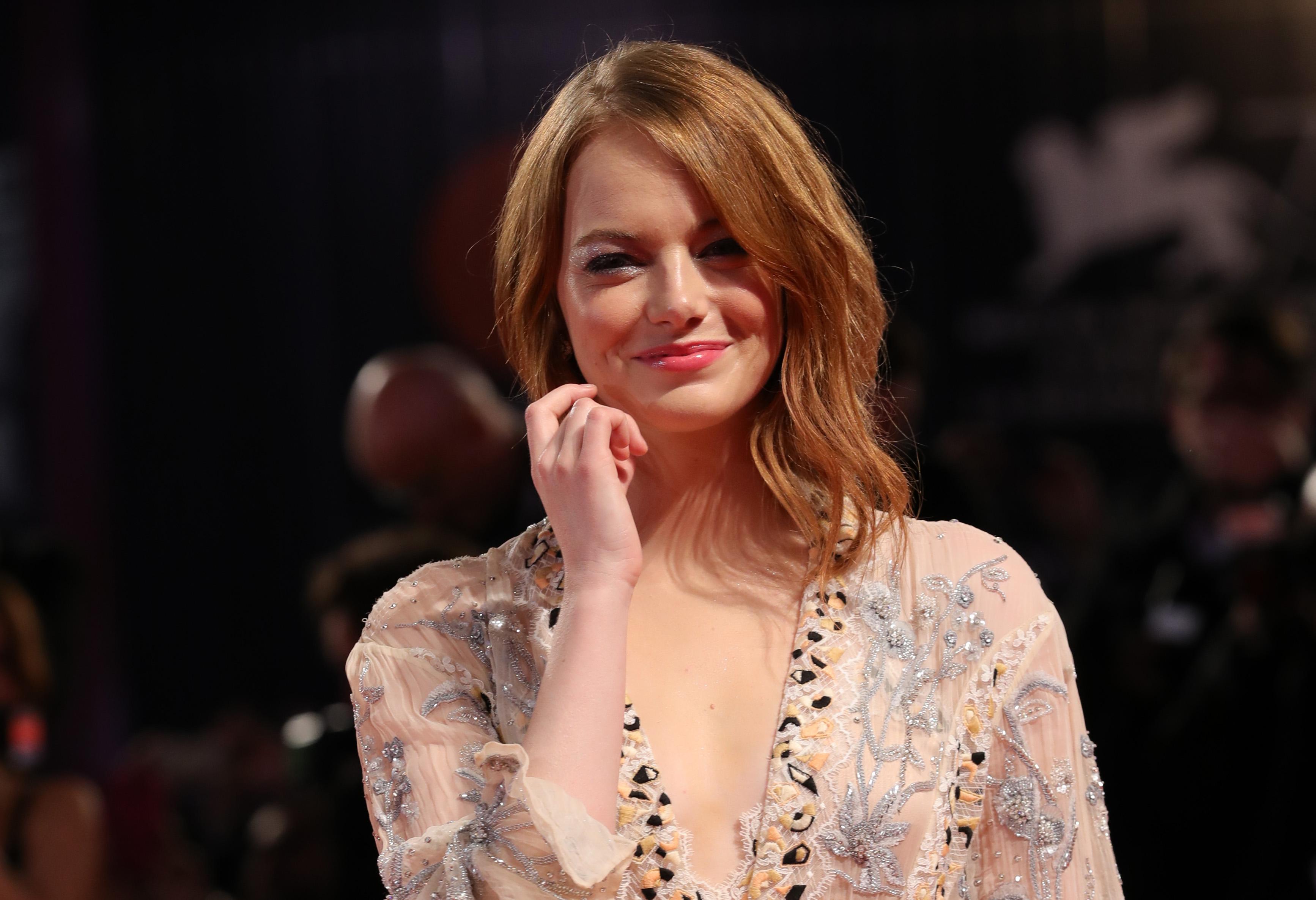 Самое необходимое: какой косметикой пользуется Эмма Стоун?