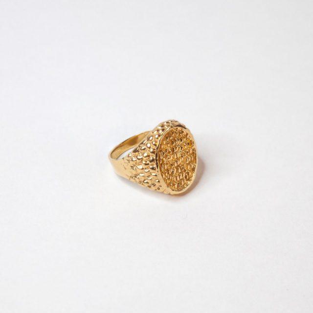 Самые стильные золотые кольца - 32 фото на PEOPLETALK c0e31e9e41b