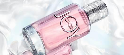 Впервые за 20 лет Dior представил новый женский парфюм. Каким он получился?