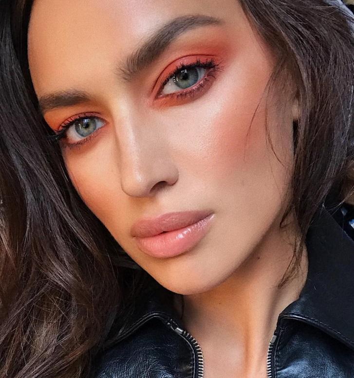 Оранжевые смоки – главный тренд в макияже