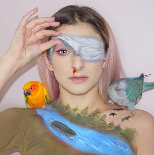 Бьюти-блогеры делают макияж по мотивам хоррора «Птичий короб»